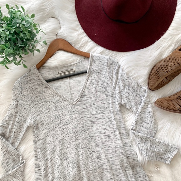 Abercrombie & Fitch Dresses & Skirts - A&F Gray Long Sleeve Dress